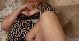 Fette Oma nackt