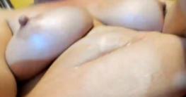 Masturbation rasierte Fotze