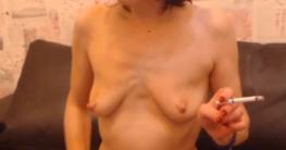 Versaute Hausfrau nackt
