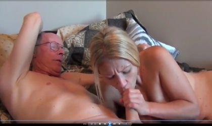 Blondine junge Opa fickt Alter Mann